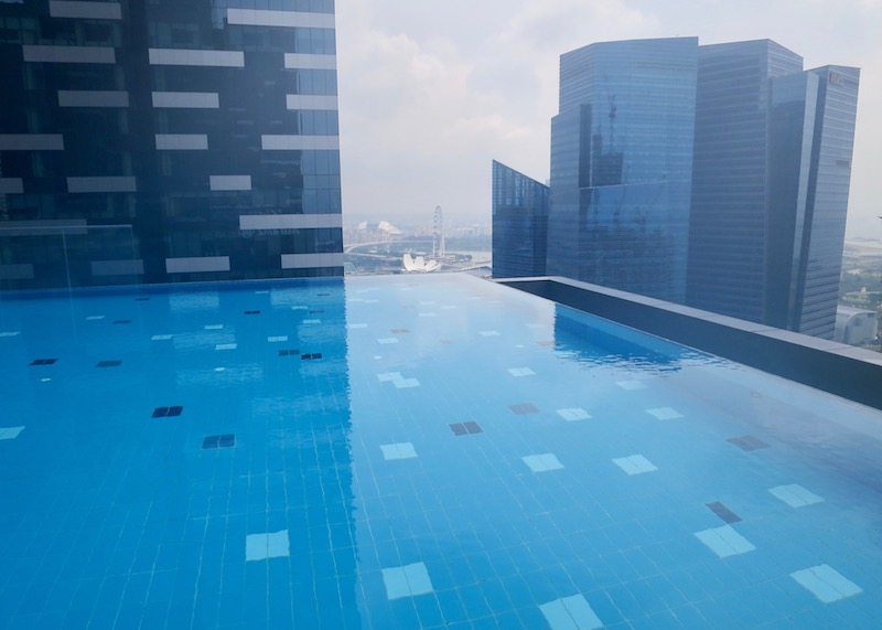Westin Singapore review - infinity pool