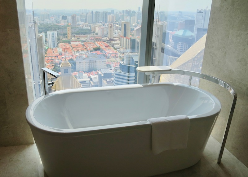 Westin Singapore review - bathtub with a view