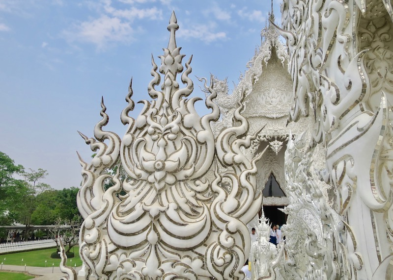 Wat Rong Khun White Temple In Chiang Rai – buddha mirrored glass width=