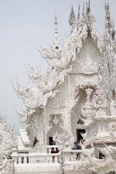 Wat Rong Khun White Temple Will Blow Your Mind | Are you travelling to Northern Thailand and you're looking to visit beautiful temples? Consider visiting Wat Rong Khun (white temple), the most postcard perfect temple you will visit in Chiang Rai