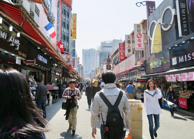 travel to seoul korea - busy street
