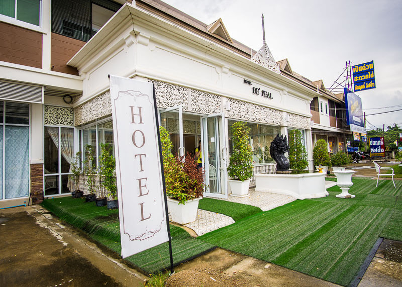 Sukhothai Hotel De'Peal budget stay