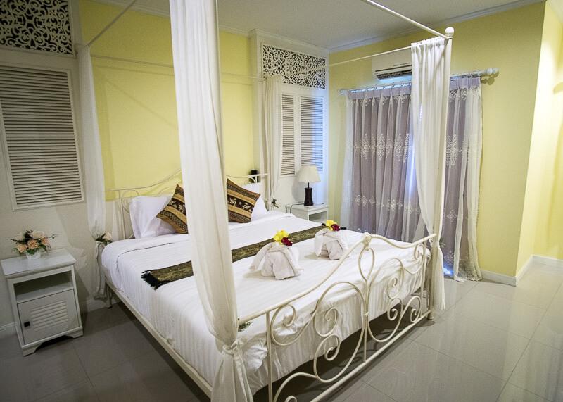 Sukhothai Hotel De'Peal room