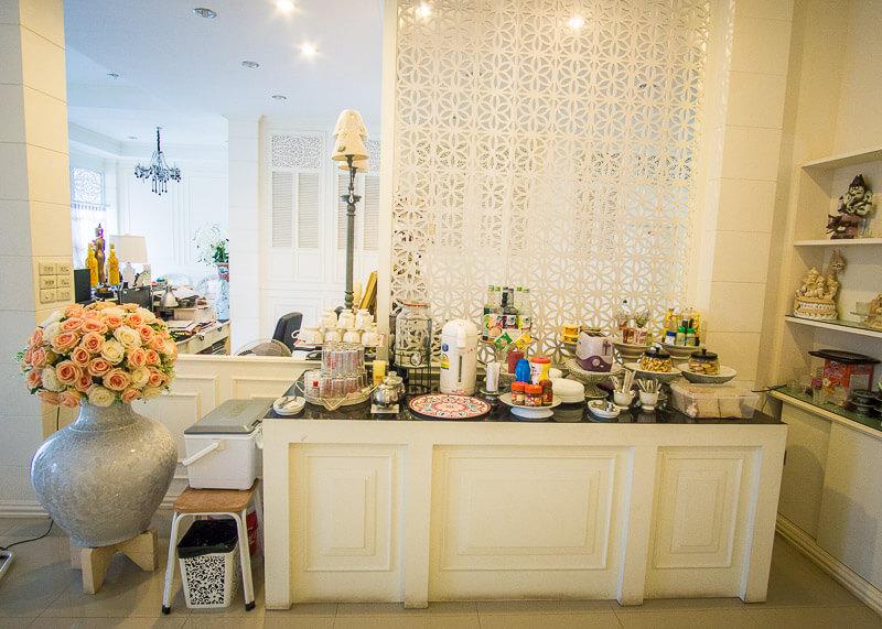Sukhothai Hotel De'Peal daily breakfast