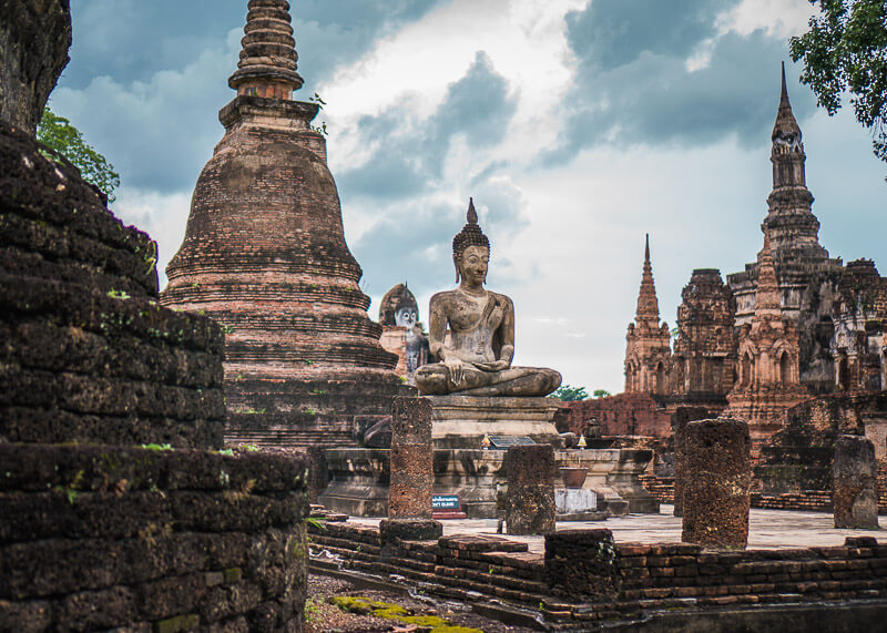 historical sites in sukhothai thailand