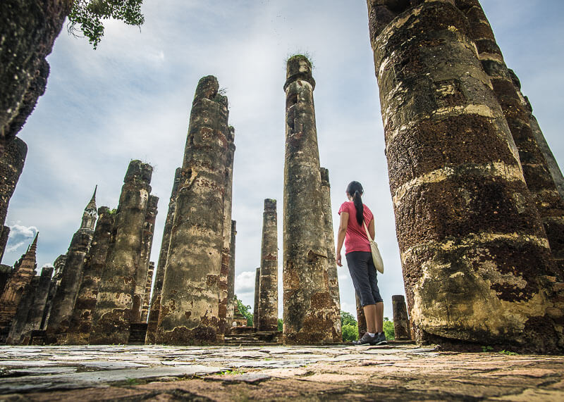 temple hopping in sukhothai thailand