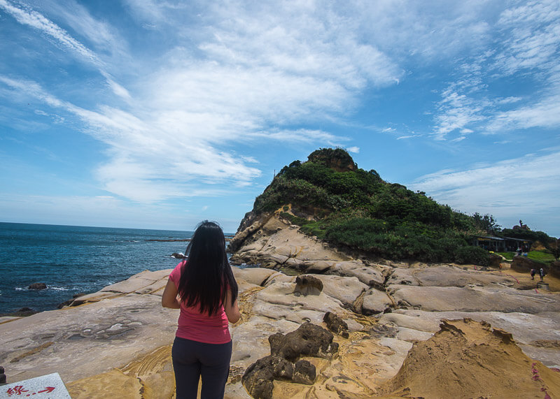 nomad travel - yehliu geopark mountains