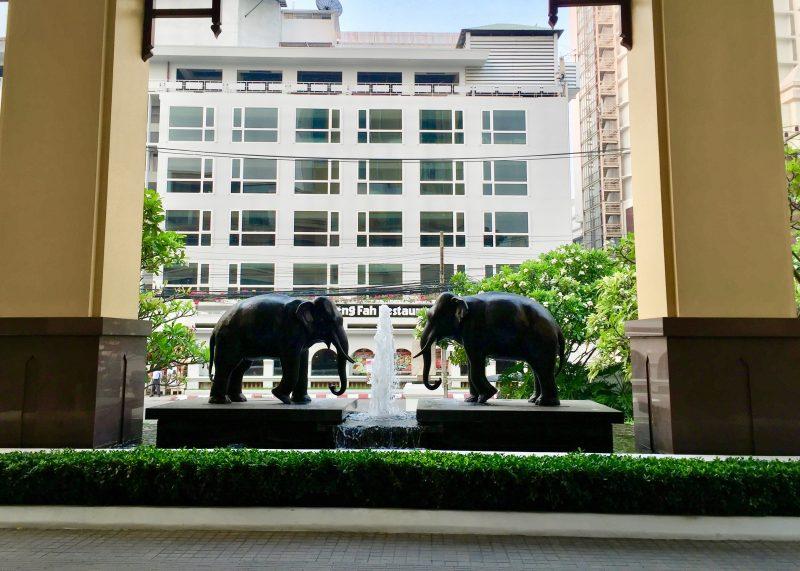 hotel le meridien chiang mai - lobby entrance