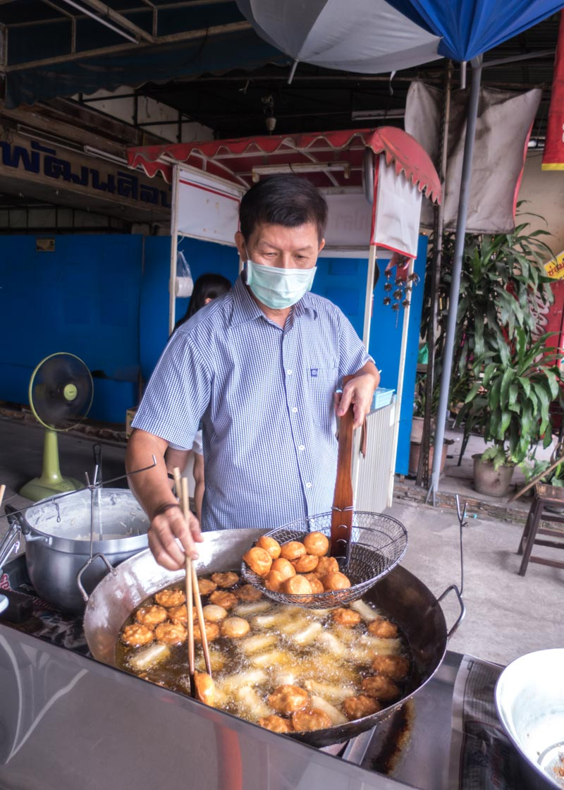 Expat life in chiang mai - thai local vendor