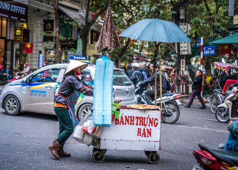 Hanoi trip blog - street vendors