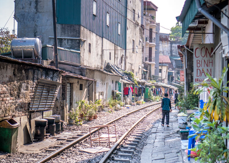 Hanoi trip blog - Hanoi train street