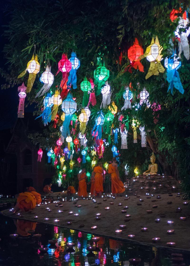 Loy Krathong Chiang Mai lantern festival - monks in line