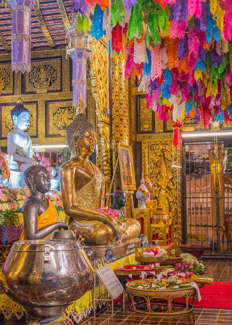 Loy Krathong Chiang Mai lantern festival - temple visit