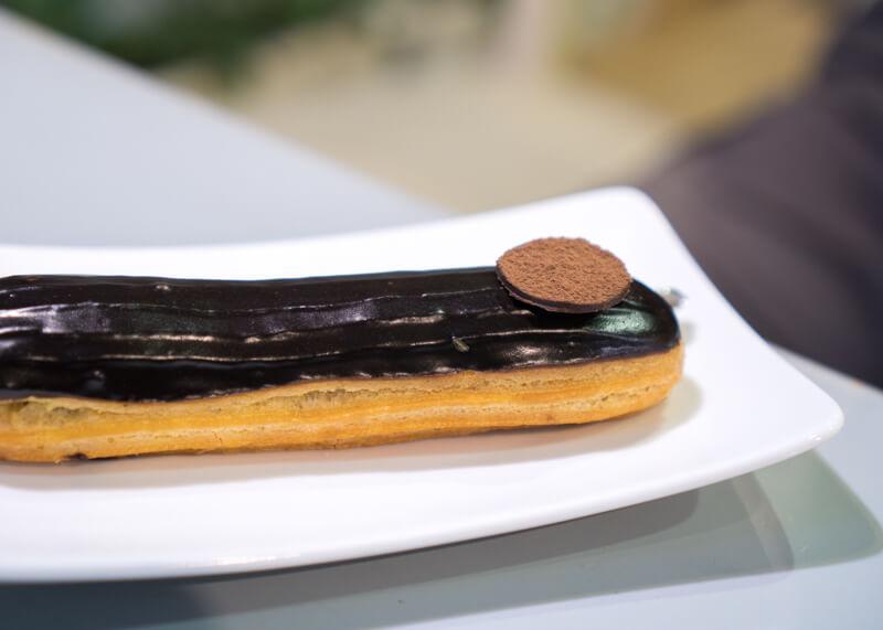 Best Food Hanoi Vietnam - éclair au chocolat
