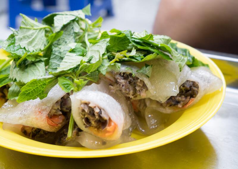 Best Food Hanoi Vietnam - bánh bột lọc (dumplings)