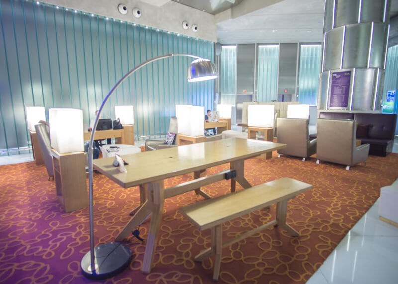 Hotel Aloft KL Sentral - desk and lamp