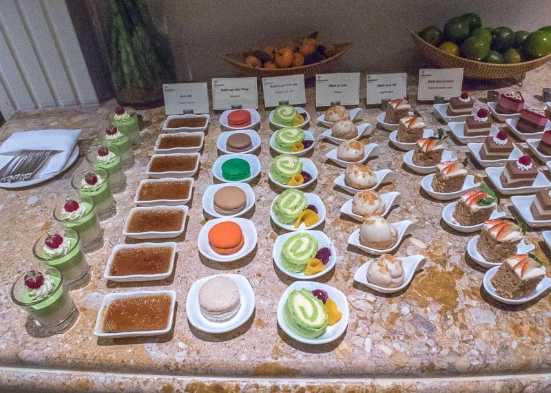 Sheraton hanoi hotel vietnam - yummy desserts