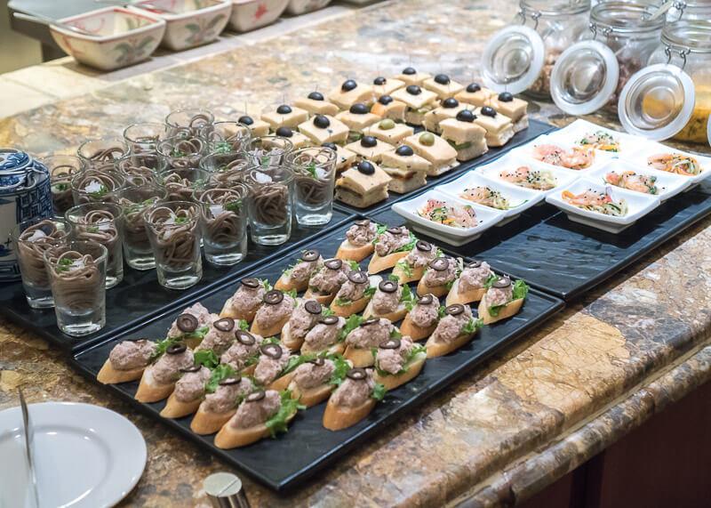 Sheraton hanoi hotel vietnam - finger food