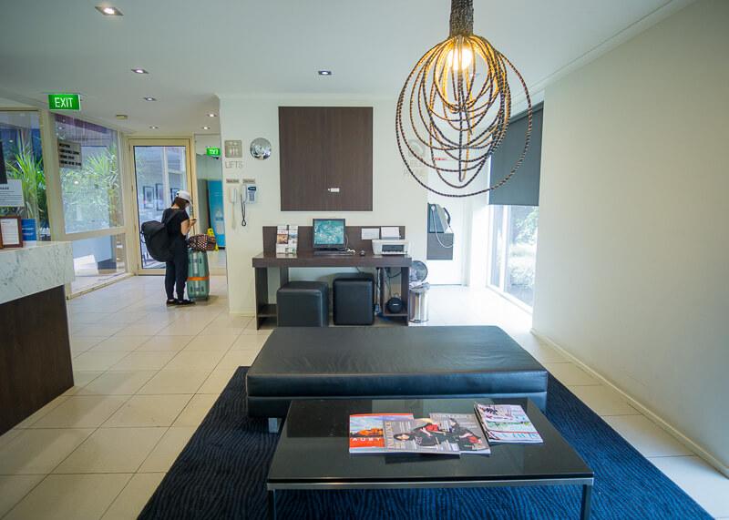 Best Western Plus Travel Inn Hotel Melbourne - lobby