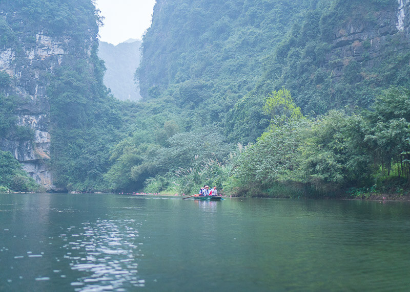 Trang An Grottoes tour - boat tour