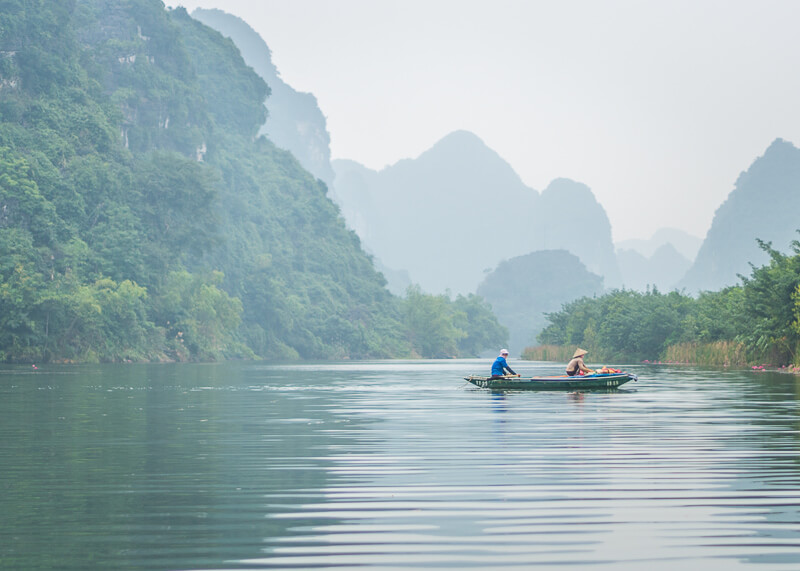Trang An Grottoes tour - quiet time in the water