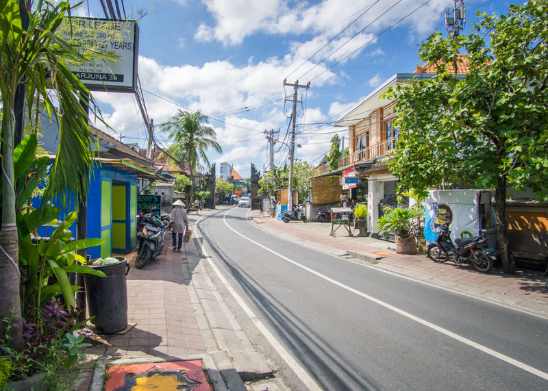 Visiting Seminyak Bali for the first time | Seminyak Bali has many things to do and is worth a visit for those who have Bali on their bucket list. The food is amazing, and the sunsets are beautiful. Click to read more about what you can expect when you visit Seminyak Bali