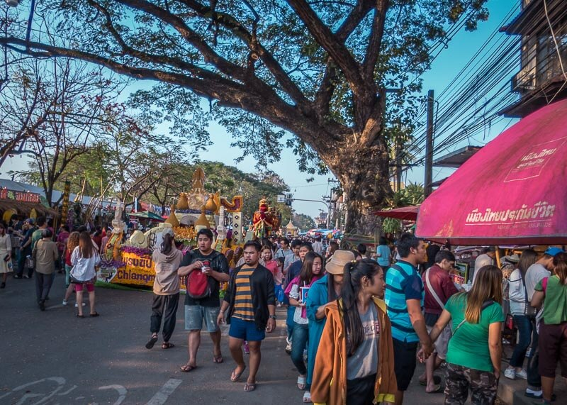 chiang mai flower festival - crowds
