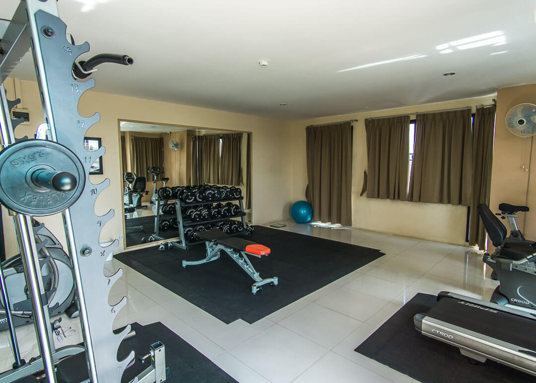 smith suites chiang mai - gym