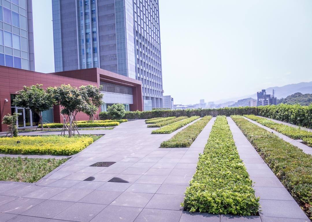 Courtyard Marriott Taipei - rooftop garden