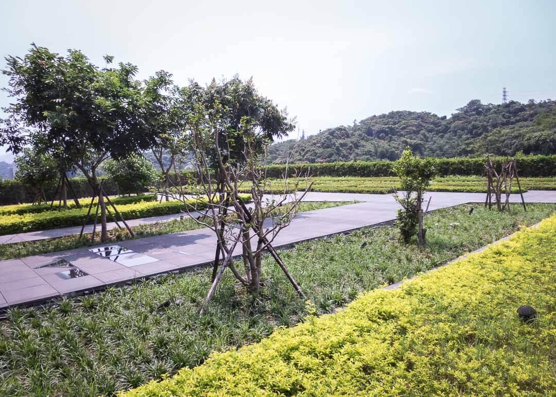 Courtyard Marriott Taipei - rooftop garden