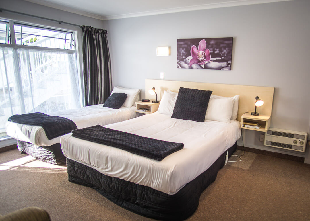 Executive Motel Taupo New Zealand - two beds