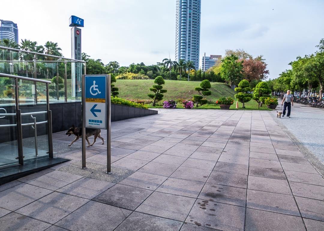 Legend hotel Kaohsiung pier2 - pickup