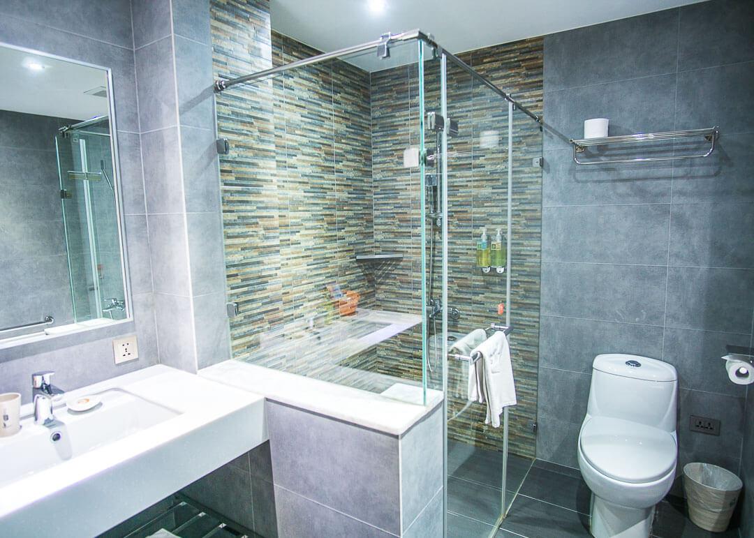Legend hotel Kaohsiung pier2 - bathroom