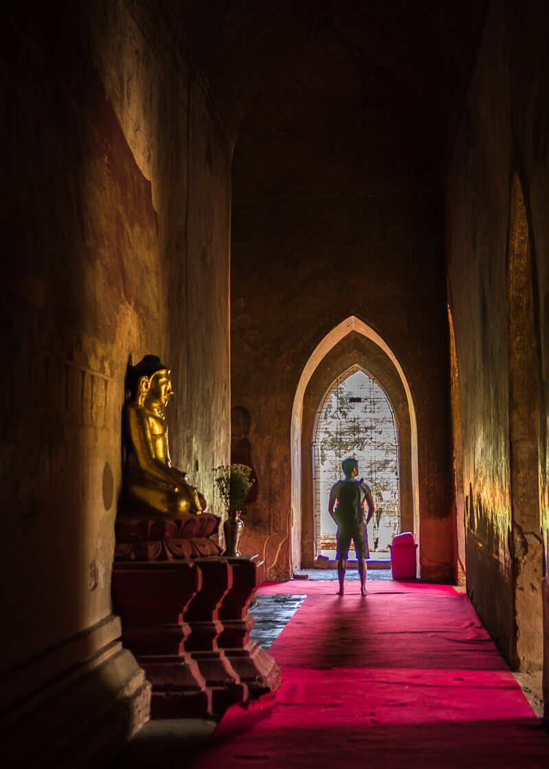 Bagan travel blog - Htilominlo Temple interior hallways