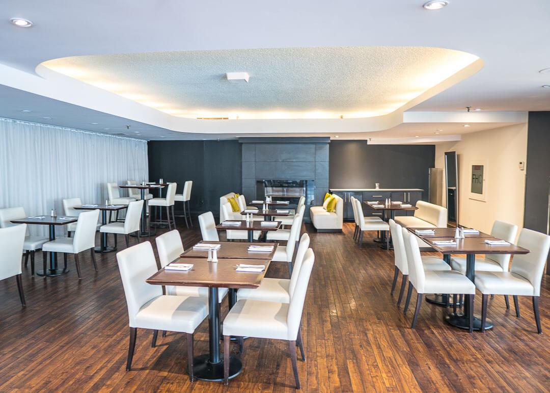 Radisson Harbourfront Toronto - Watermark Restaurant