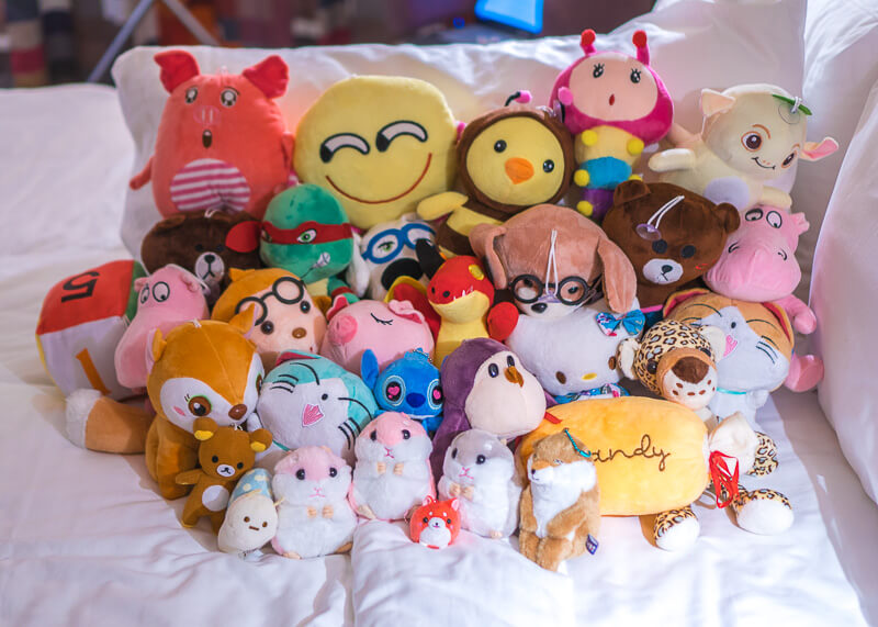 modern nomadic lifestyle - taiwan claw machines animals