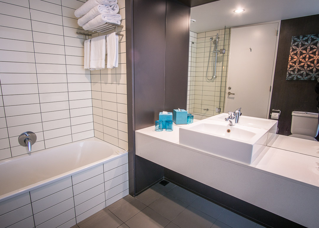 Rydges Hotel Wellington New Zealand - bathroom