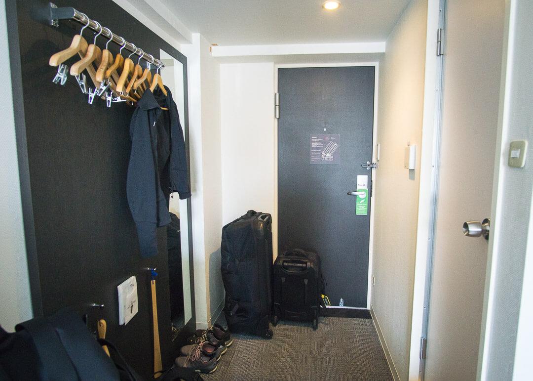 Best Western Yokohama Hotel - corridor