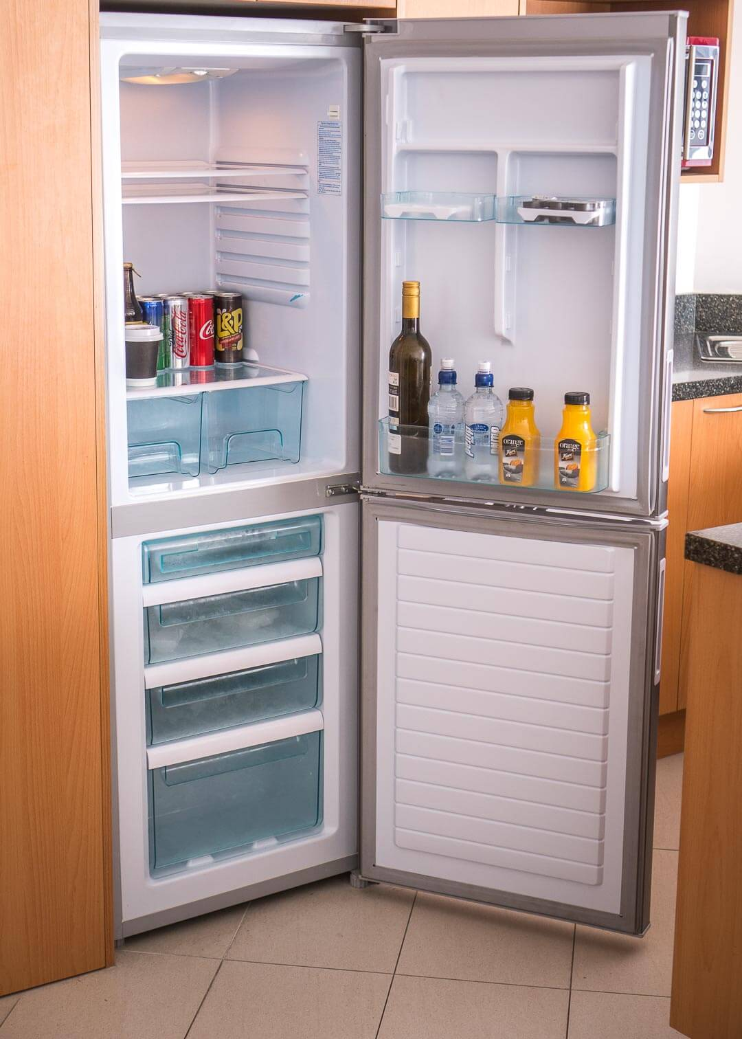 Fino Hotel and Suites Christchurch - fridge