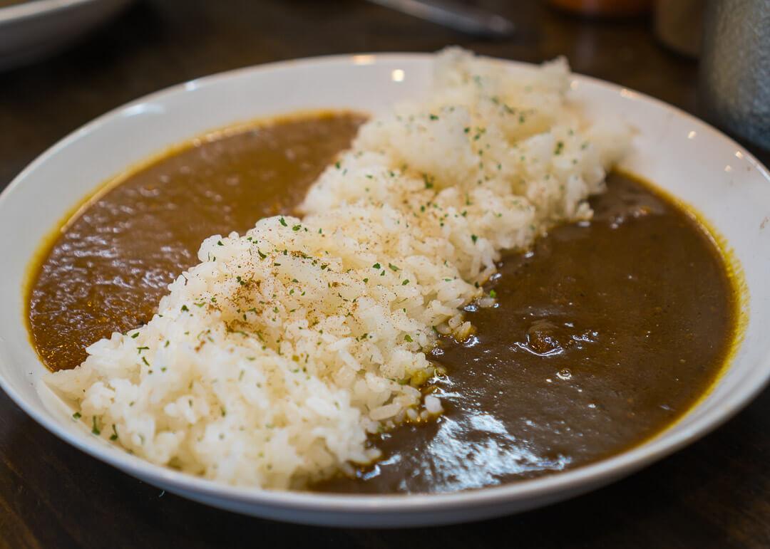 Osaka cheap eats - Yakumido Aigake Curry