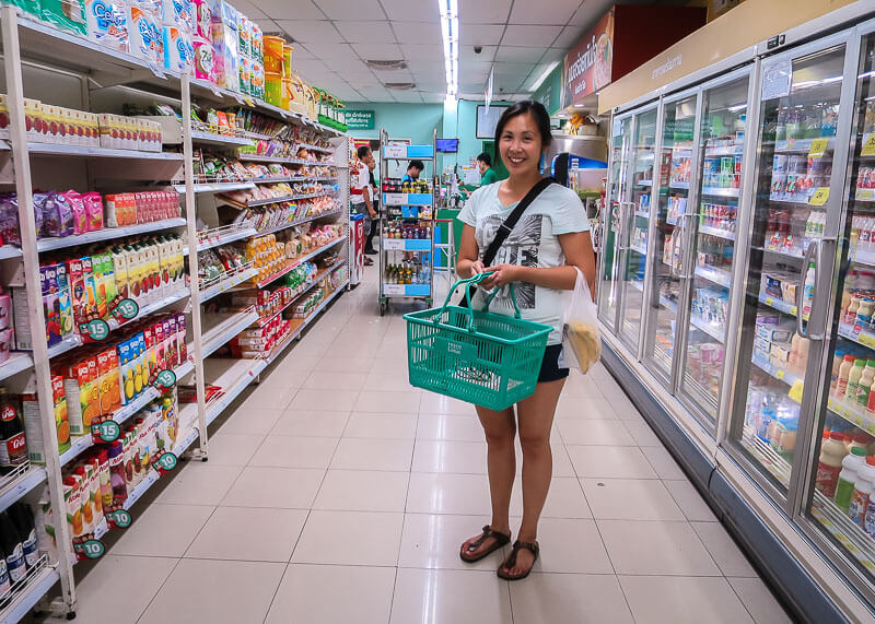 living in chiang mai thailand - grocery shopping in tesco