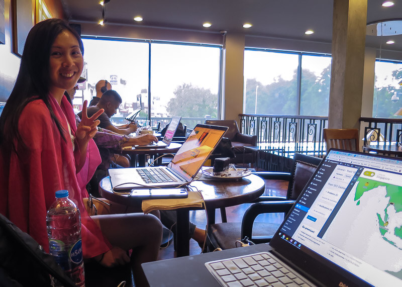 living in chiang mai thailand - laptop at starbucks in chiang mai