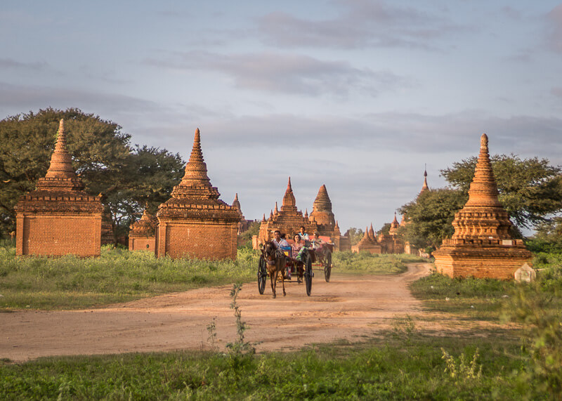 Bagan trip blog - horse carriage to temples