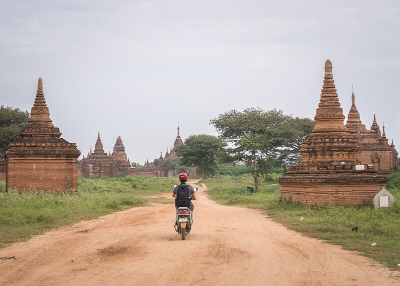 Bagan trip blog - temple hopping with e-bike