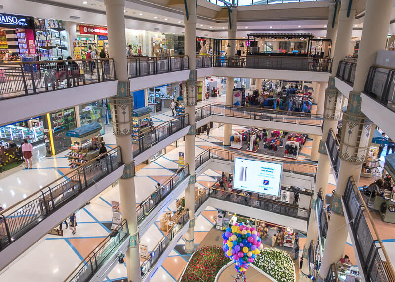 chiang mai travel blog - central mall shopping plaza