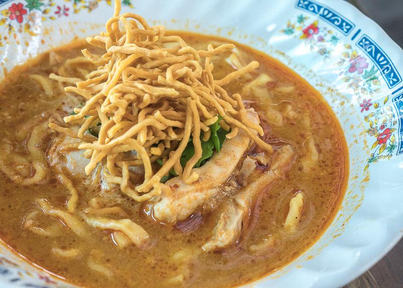 chiang mai trip blog - khao soi noodle dish