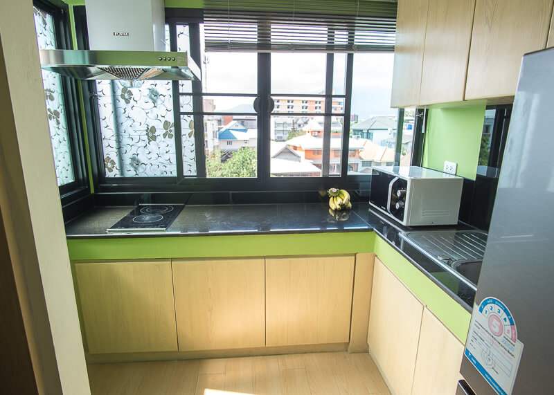 chiang mai trip blog - apartment with a kitchen
