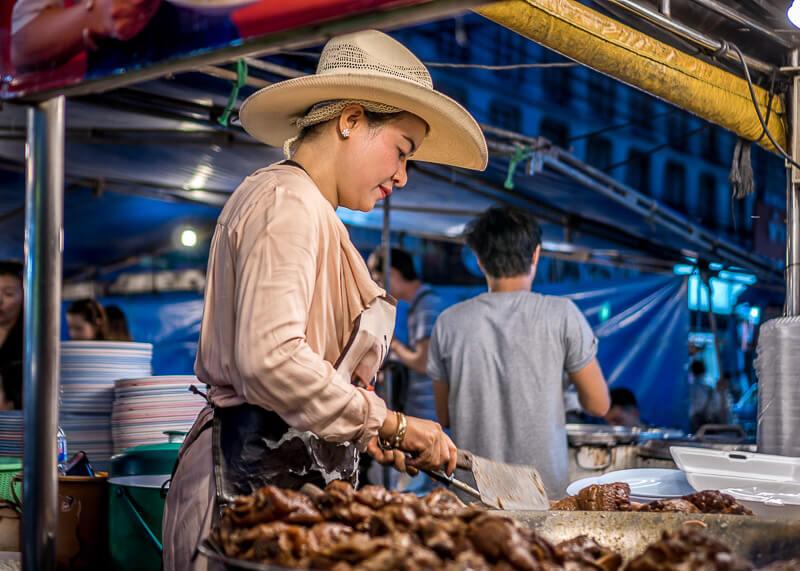 chiang mai trip blog - Cowlady night market stall