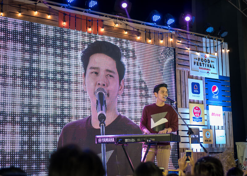 chiang mai trip blog - chiang mai famous singer