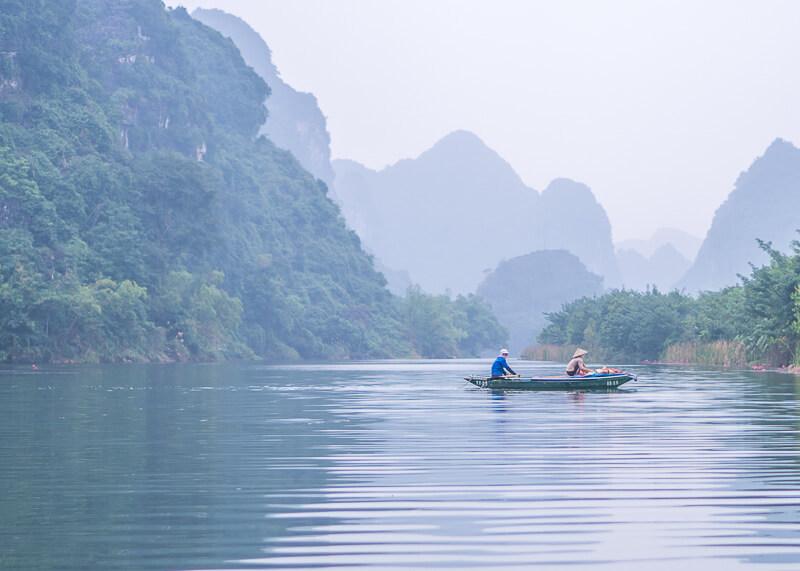 ninh binh travel blog - Trang An boat tour